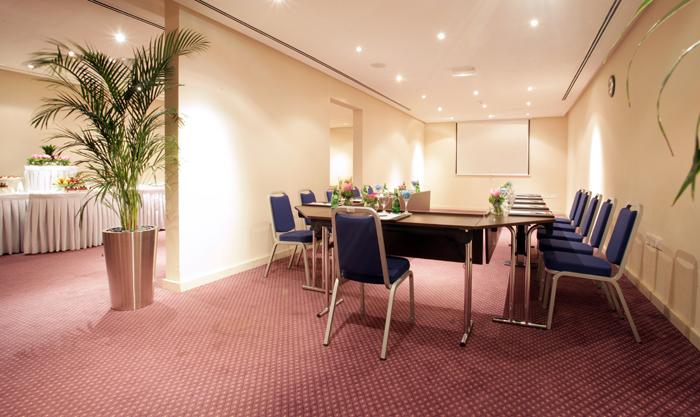 Ramada Hotel & Suites by Wyndham Ajman-meeting-slider