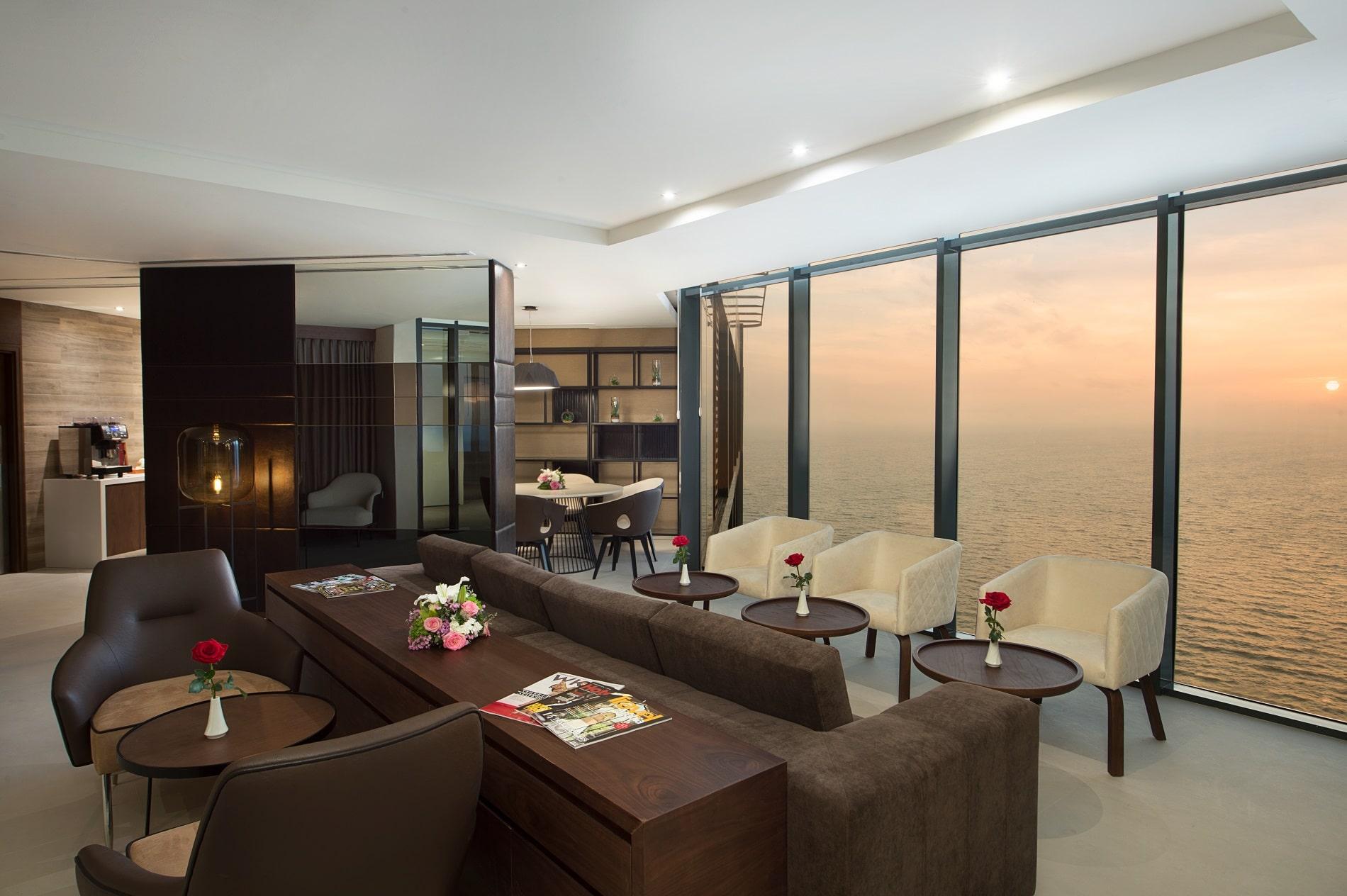 Sky Lounge | Executive Lounge-slider
