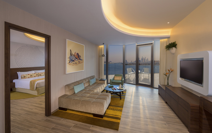 Deluxe One Bedroom Suite, Club Lounge Access, King Size Bed, Partial Sea View, Beach Access-room