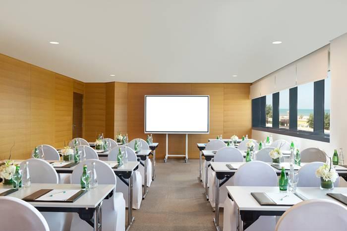 Wyndham Garden Ajman Corniche-meeting-slider